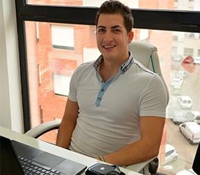 Contactar con Adrian Olcina